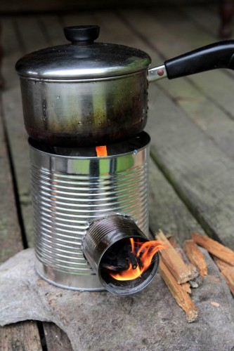 how to make a stove from a numbef 10 can