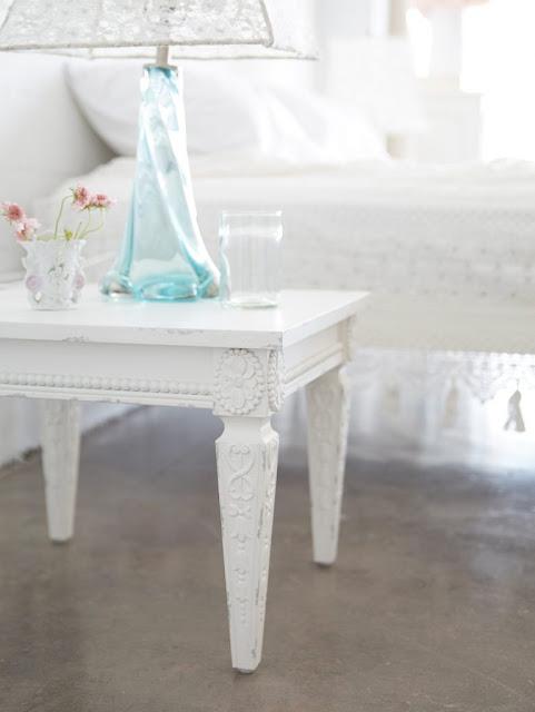 White Bella Table by Rachel Ashwell Shabby Chic