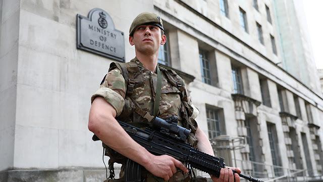 """El secretario de Defensa de Reino Unido lanza """"la última bomba de pánico"""" sobre Rusia"""