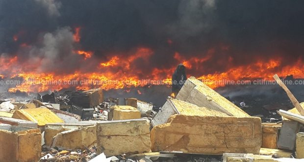 Old Fadama: Parts of Onion Market in flames