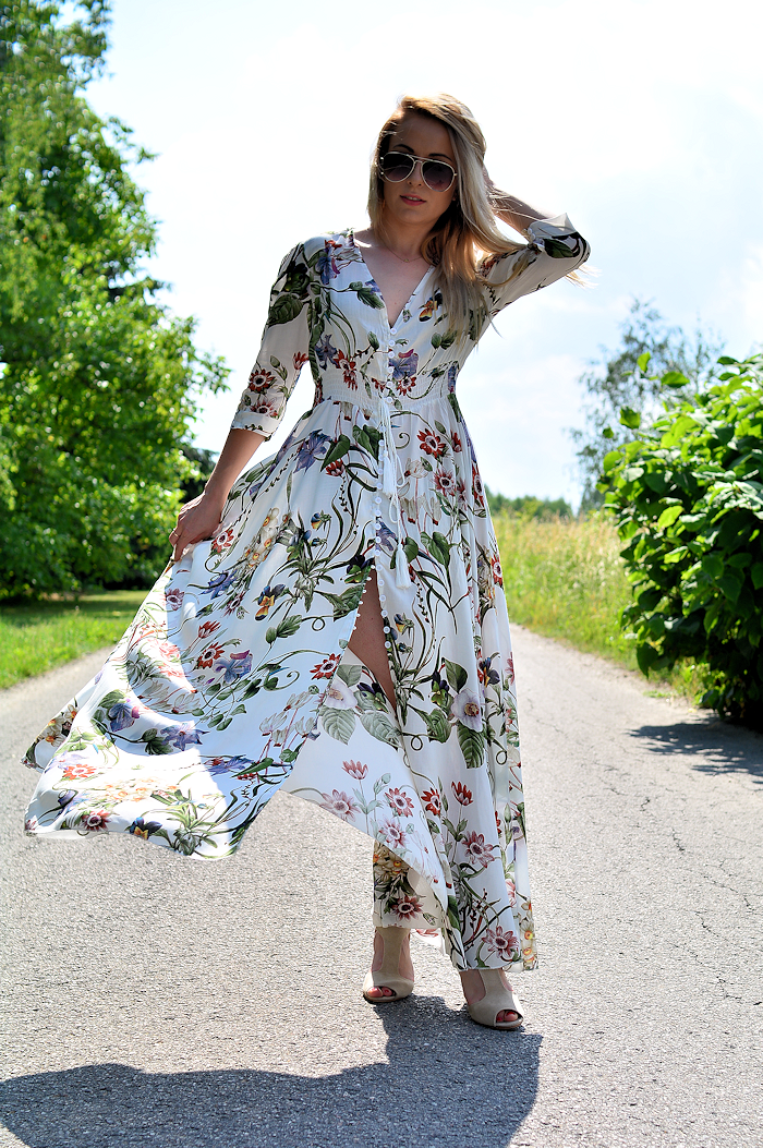 http://furioussquirrel.blogspot.com/2017/07/floral-maxi-dress.html