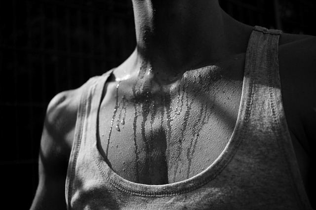 Does your body sweat more than the limit? Are you also troubled by the odor coming from sweat? Why comes sweat after all? And how can we get rid of this odor of sweat?