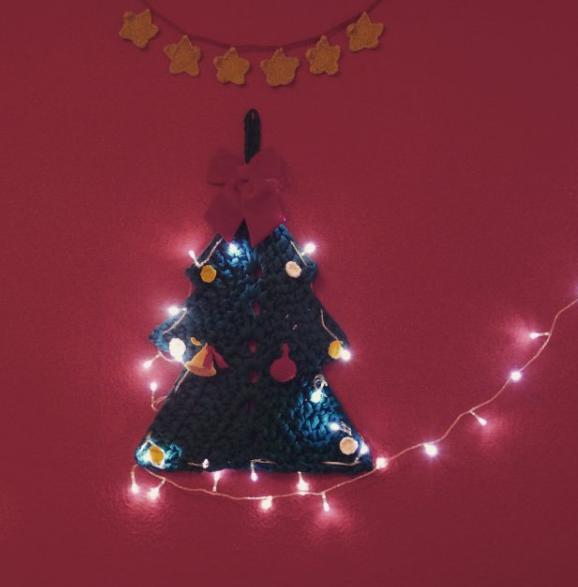Rboles de navidad para pisos peque os handbox craft for Decoracion navidad piso pequeno