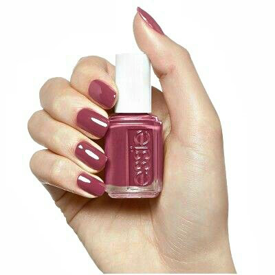Nails essie color
