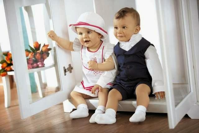 gambar anak memakai kostum resmi
