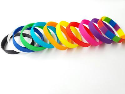 Vòng tay cao su nhiều màu nổi bật