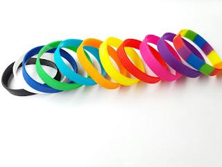 vòng tay cao su nhiều màu