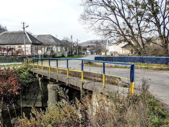 Горные сёла Закарпатья: Плоское. Мост через реку Пыню