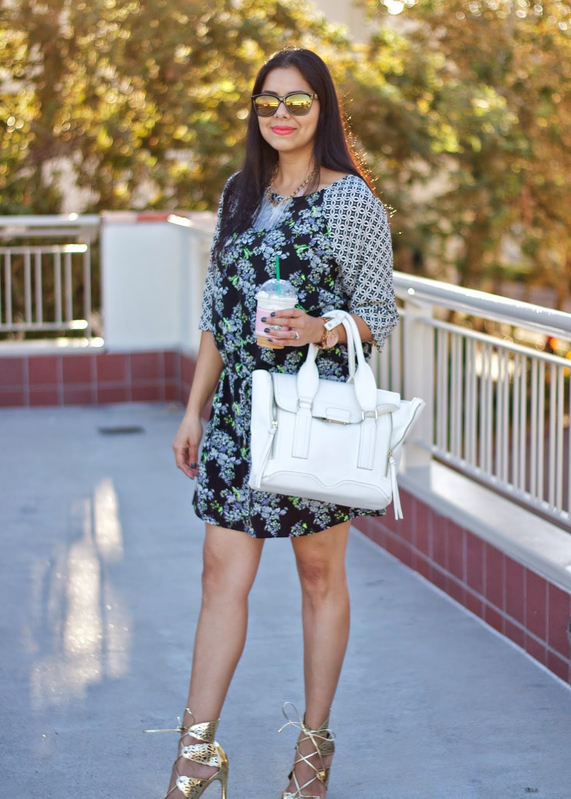 how to wear a lightweight dress, 3.1 phillip lim pashli, how to wear a white satchel, how to wear phillip lim purse, gold shoedazzle sandals, gold sandal heels, isaac mizrahi sunglasses