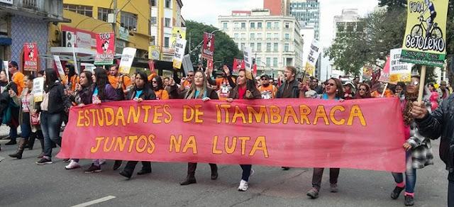 Relembrando o massacre de 29 de abril. Mais de 30 mil pessoas no manifesto contra Richa
