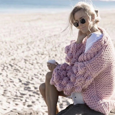 https://www.sevengrils.com/pink-v-neck-ballon-sleeves-warm-chunky-cardigan.html