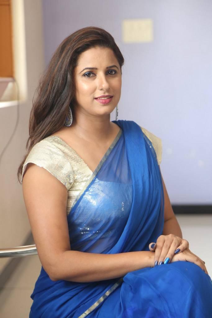 Mumbai super hot desi girl with big ass selfee shoot 8