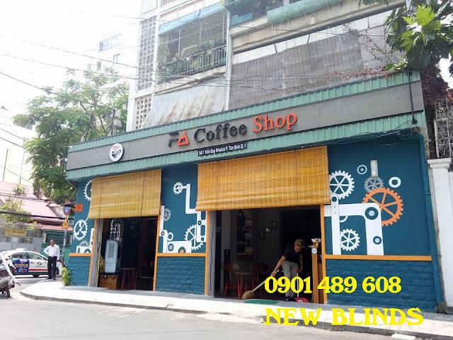 màn nứa che nắng quán cà phê