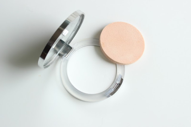 Clinique Stay-Matte Universal Blotting Powder