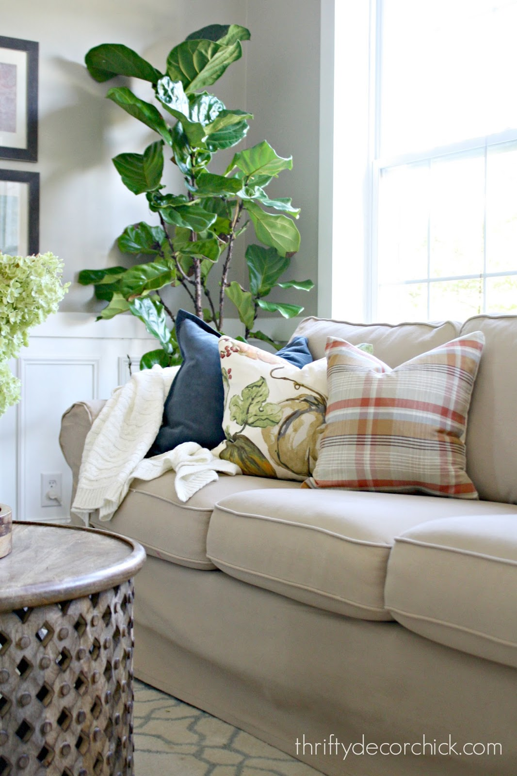 using napkins to make seasonal pillows