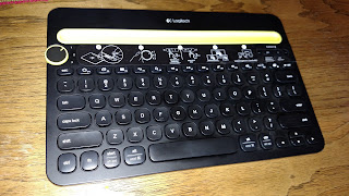 Bluetooth Wireless Keyboard I Used To Turn My Android Phone into a Chromebook