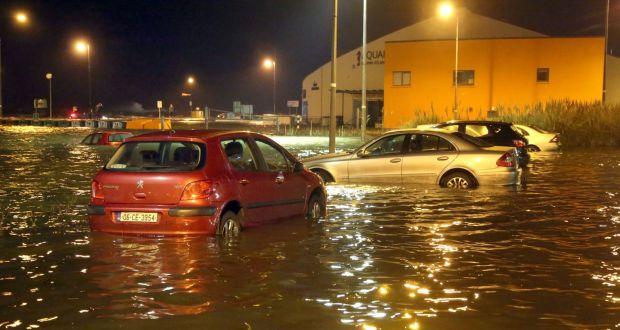 """Σαρώνει τη Γαλλία η καταιγίδα """"Eleanor"""" - 200.000 σπίτια βρίσκονται χωρίς ρεύμα"""