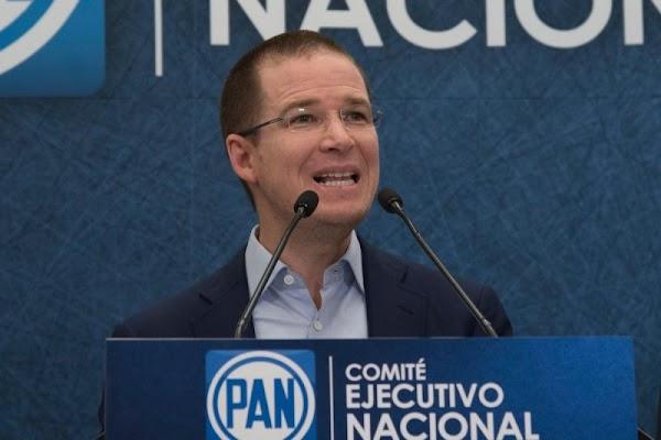 Ricardo Anaya se benefició con terrenos expropiados, los revendió casi a un 300% más.