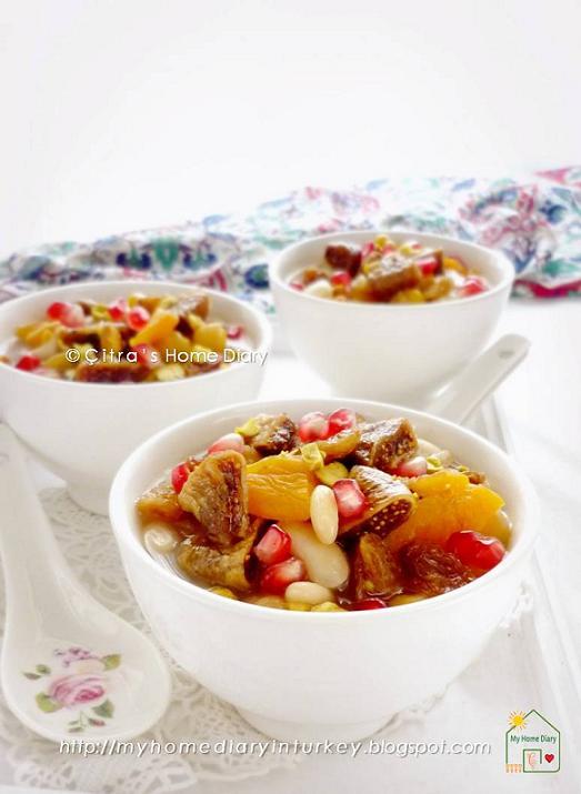 Aşure/ Ashure / Turkish mix fruits, grains and nut dessert recipe | Çitra's Home Diary. #aşure #asure #ashure #noahpudding #turkishdelight #turkishfood #sweets #middleeastern #dessert