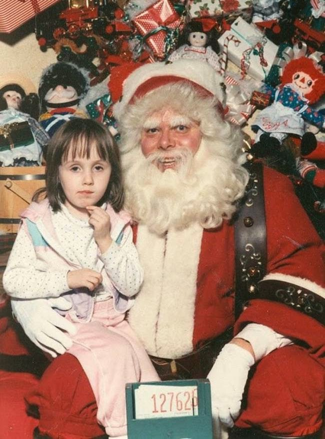 These 30 Creepy Vintage Santa Claus Photos That Will Give