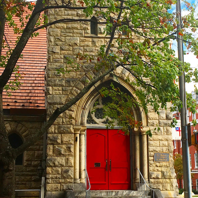 Knoxville Tennessee Church Red Door