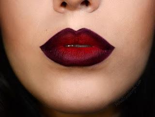 Labbra con rossetto scuro
