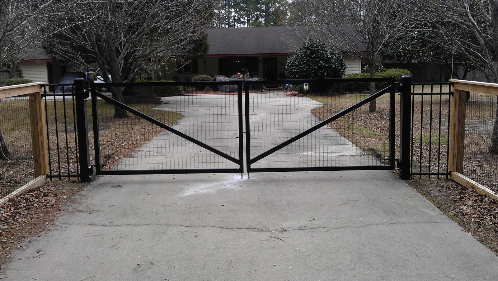 Town Amp Country Fences Llc Custom Made 12 Aluminum