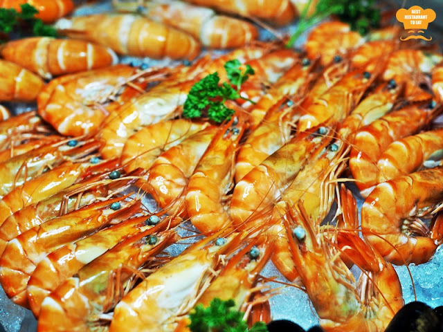 Weekend Seafood Buffet Tiger Prawns