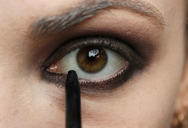 twenties make-up: step 8
