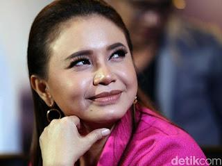 Rossa Dapat Gelar Dato Sri dari Kerajaan Pahang Malaysia