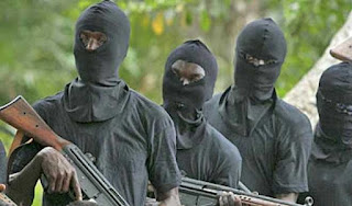 UNIDENTIFIED GUNMEN AVERT 18-SEATER BUS IN RIVERS