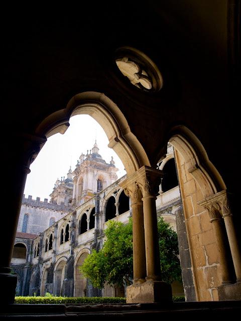 Alcobaça, iglesia y claustro