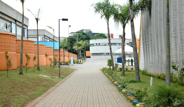 Oficinas,Palestras e Teatro no Ceu Capão Redondo