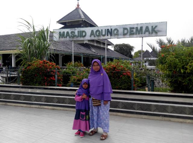 Masjid Agung Demak Terkenal di Jawa Tengah yang telah Syifa Kunjungi