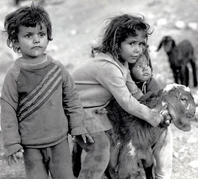 Foto de niños pobres en la altura