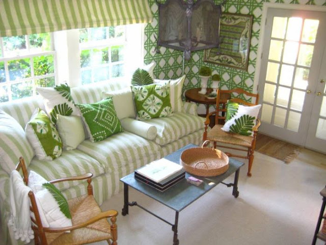 Living Room Furniture to Fit Your Home Decor