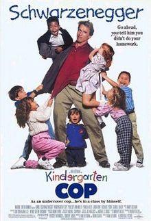 Xem Phim Cảnh Sát Giữ Trẻ 1990