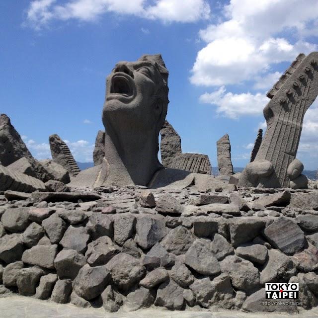 【赤水展望廣場】用火山熔岩塑成的搖滾塑像 紀念櫻島那場通宵演唱會