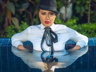 بالصور رانيا يوسف في حمام السباحة