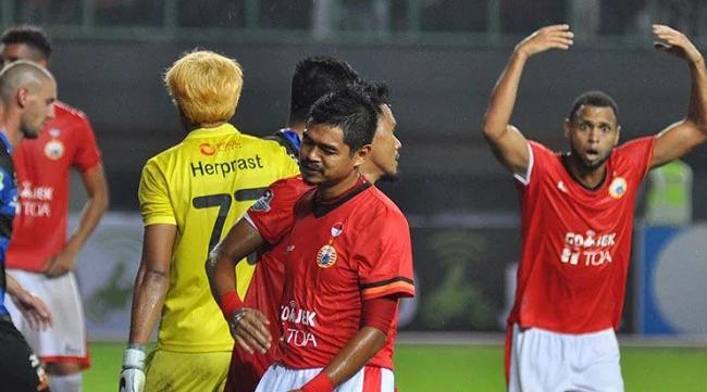 Kalah dari Madura United, Dua Pemain Persija Menangis