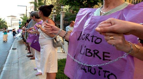 Senadores chilenos anuncian proyecto de ley de aborto legal