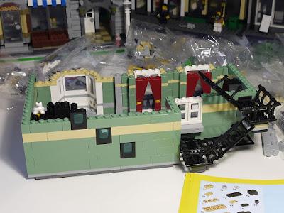its-not-lego.blogspot.com, lepin 15008 green grocer modular