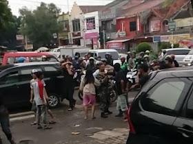 Astaga, 2 Anggota TNI Dikeroyok Kelompok Tukang Parkir - Responsive Blogger Template