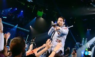 J Balvin canta Safari con el Equipo Alejandro