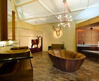 Bồn tắm gỗ Laguna Pearl trong không gian ấm cúng