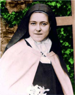 En la imagen Santa Teresa de Lisieux, Teresa de Jesus y de la Santa Faz.
