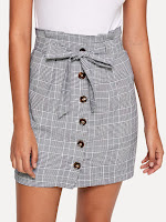 https://fr.shein.com/Button-Up-Knot-Front-Plaid-Skirt-p-515930-cat-1732.html?aff_id=34669