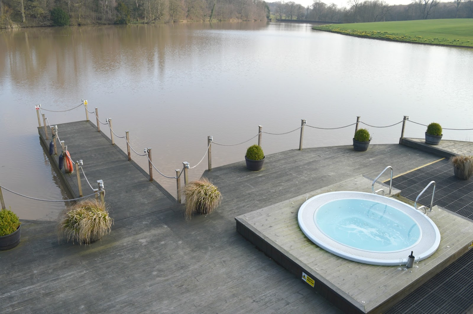 Wynyard Hall Spa - Lakeside Hot tub