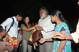 Actress Sri reddy (apthatrust director) Distrubuted Blankets for Orphans at Sai Baba Temple  0060.JPG