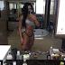 Gracyanne Barbosa faz selfie de calcinha e sutiã